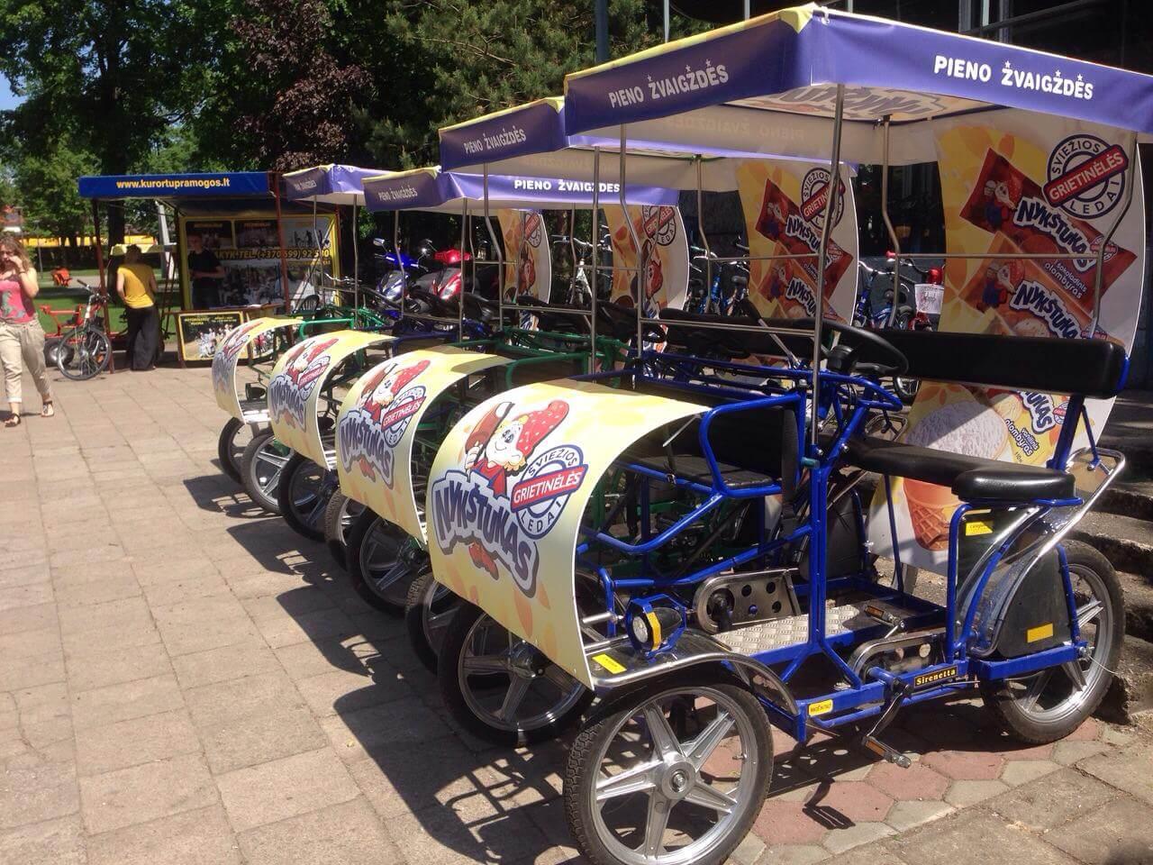 Reklama ant velomobilių